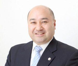 弁護士 吉岡隆久